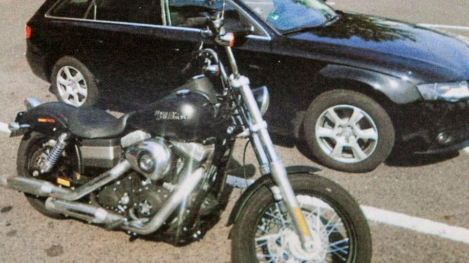 LKA-Beamtekauften ihrem V-Mann eine Harley-Davidson