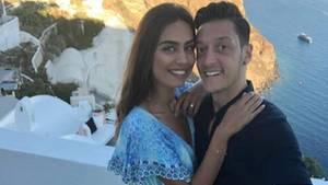Mesut Özil Amine Gülse