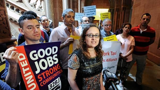 Bhairavi Desai, die Chefin der New Yorker Taxigewerkschaft, sagt, dass die Tode ihrer Kollegen keine Einzelschicksale seien