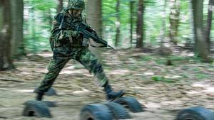 Ein Bundeswehrsoldat bei einer Übung