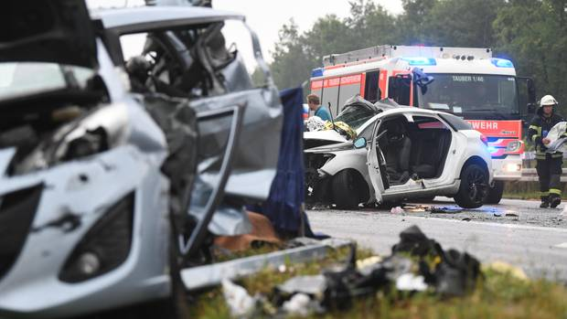 Bei dem Unfall auf der A81 starben vier Menschen