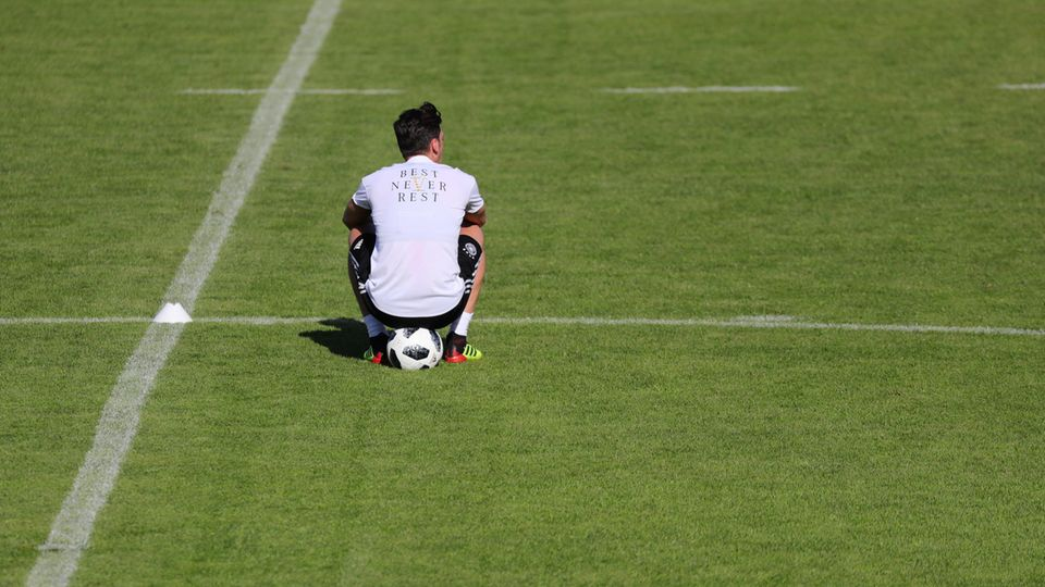 Mesut Özil während des Trainingslagers in Südtirol