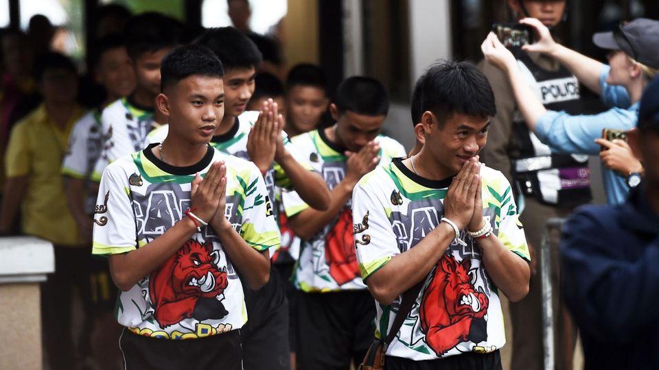 Thailand - höhlendranma - nationalpark - kloster - tham luang
