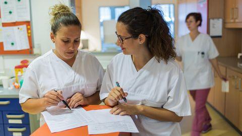 Brutto-Einkommen : Was verdienen eigentlich Pflegekräfte?