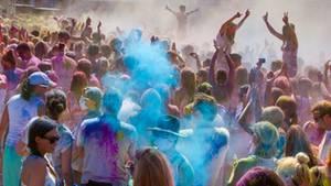 Holi-Feste haben ihren Ursprung in Indien, wurden aber in den letzten Jahren auch in Europa populär