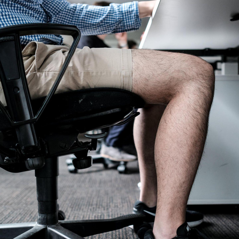 büro-knigge: was darf ich an heißen tagen im büro anziehen