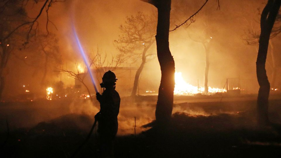Mindestens 79 Menschen starben bei den verheerenden Großbränden in Griechenland