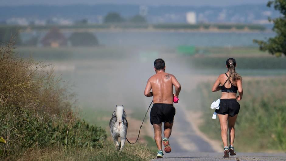 Sportler müssen kommende Wochen mit schülem Wetter rechnen