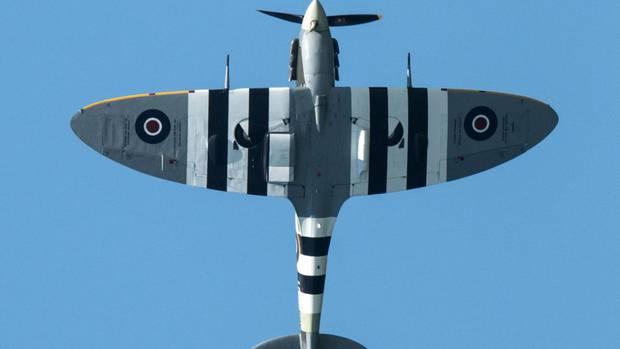 EinSpitfire-Jagdflugzeug bei einer Flugshow Ende Juni. Die am Dienstag im Alter von 101 Jahrenverstorbenebritische Pilotin Mary Ellis flog diese Maschinen im Zweiten Weltkrieg.