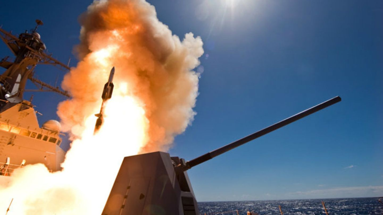 Raketenstart an Bord derUSS Dewey DDG 105.
