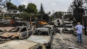 Das Feuer verheerte ganze Straßenzüge im Küstenort Mati