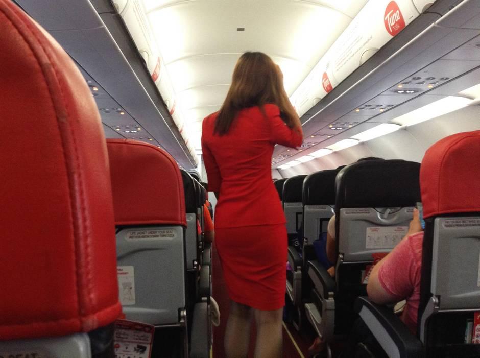 An Bord eines Airbus von Air Asia auf dem Flug von Imphal im Nordosten des Landes nach New Delhi ereignete sich der Zwischenfall.