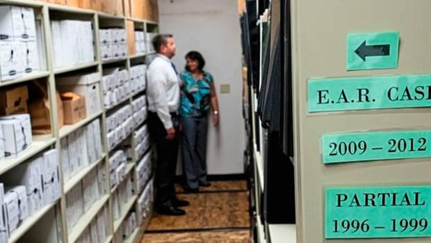 DNA-Material von Tatorten wird auch lange nach den Verbrechen aufbewahrt.
