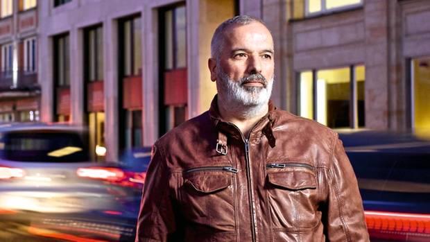 Mehmet Yilmaz träumte nach dem Unfall von Leichenbergen. Bis heute geht der Taxifahrer zur Reha und zur Psychotherapie