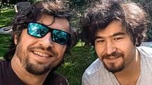 Abdul Azim Sultani (r.) mit seinem Nachbarn Sven Güntner in Altenstadt an der Iller. Güntner half dem Afghanen und überzeugte ihn, in Deutschland eine Ausbildung zu beginnen