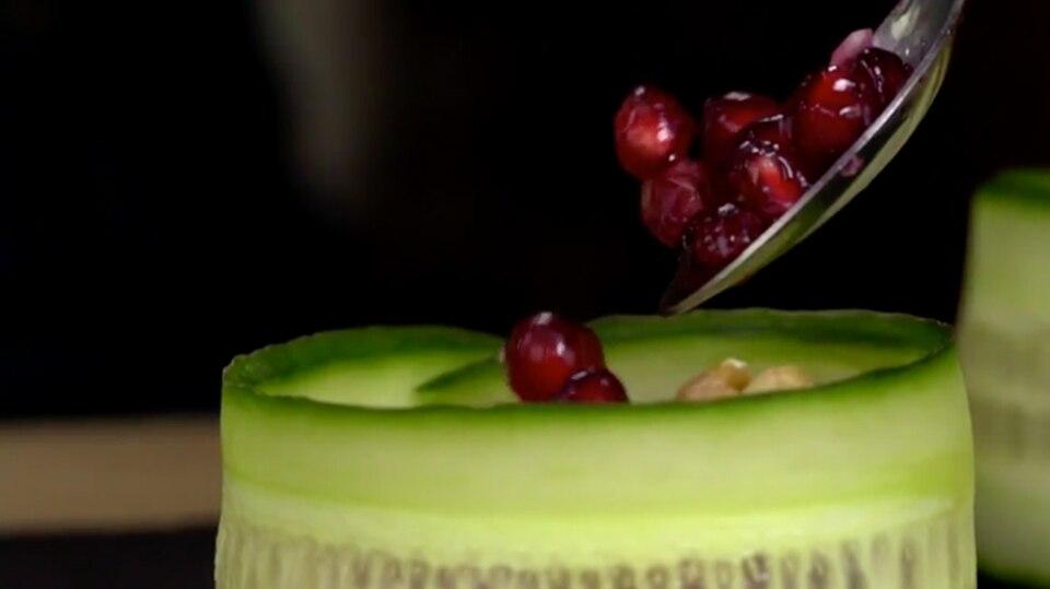 Gegen Lebensmittelverschwendung: Pilotversuch: In Nürnberg kann man sich jetzt frischen Salat am Automaten ziehen