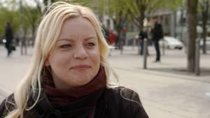Julia (31) verlor das Vertrauen in die Männerwelt. Dennoch wünscht sie sich eigentlich eine Beziehung.