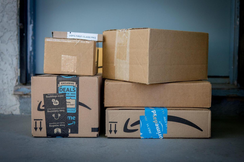 Pakete vor der Haustür