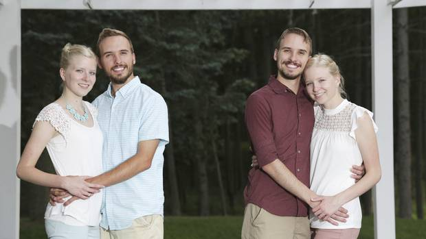 Zwillinge Krissie Bevier und Zack Lewan mit Nicholas Lewan und Kassie Bevier