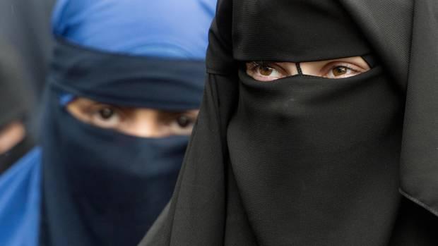 Verschleierte Frauen:In Dänemark darf in der Öffentlichkeit nicht mehr das Gesicht verschleiert werden