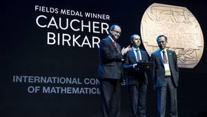 Eine der höchsten Auszeichnung seiner Profession wurde Professor Birkar vermacht. Lange sollte das Glück nicht halten.
