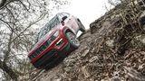 Die Trailhawk-Version des Jeep Compass schlägt sich traditionell im Gelände gut