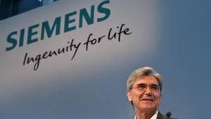 Siemens-Chef Kaeser sucht den radikalen Umbau bei Siemens. Neue politische und wirtschaftliche Gegebenheiten zwingen ihn dazu.