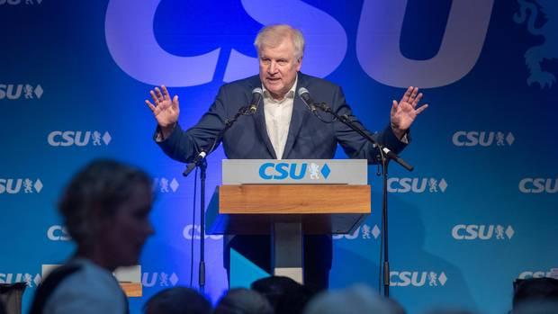"""""""Weit unter Gürtellinie"""": Horst Seehofer rechnet mit Kritikern ab - und will anfangen zu twittern"""