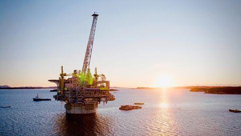 Vor den Lofoten lagern Öl- und Gasfelder: Ausbeuten oder nicht?