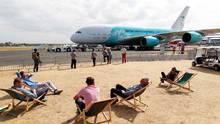 Der Airbus A380 von Hifly - hier noch bei der Präsentation Mitte Juli auf der Luftfahrtmesse in Farnborough.