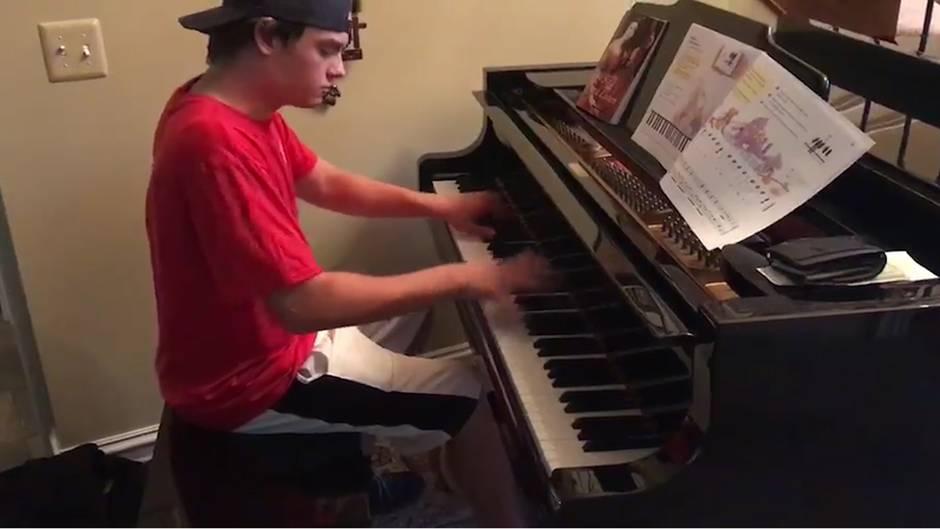 Wahnsinns-Performance: Pizza meets Beethoven - dieser Lieferbote entpuppt sich als wahres Multitalent