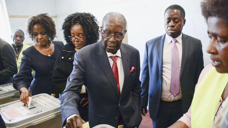 Wahrscheinlich eine Stimme für seinen Ex-Vertrauten: Der Ex-Präsident von Simbabwe, Robert Mugabe, bei seiner Wahl