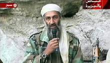 """""""Er war ein sehr gutes Kind"""": Mutter von Osama Bin Laden spricht erstmals seit Terroranschlägen von 2001"""