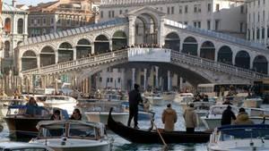 Bei zweiBootsunglücken sindin Venedig am Samstag drei Menschen ums Leben gekommen