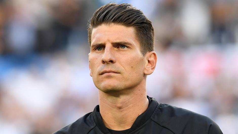 """Nach WM-Debakel: Netz reagiert mit Häme auf Gomez' Rücktritt: """"Da will jemand noch einmal ins Rampenlicht"""""""