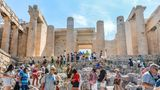 Platz 9: Athen, Griechenland  Die Hauptstadt Griechenlands ist alsZentrum der Antike und wegen dervielenArchitekturdenkmäler wie der Akropolis bei Touristen besonders attraktiv.