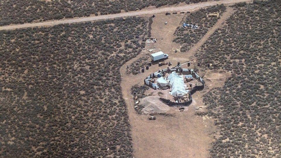 Nahe des Ortes Amalia, New Mexico, hielten die Entführer die Kinder in diesen Baracken fest