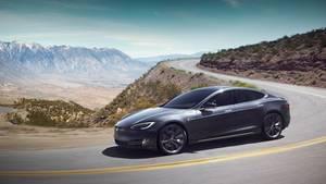 Das Model S bleibt auchgebraucht ein sehr teures Fahrzeug.