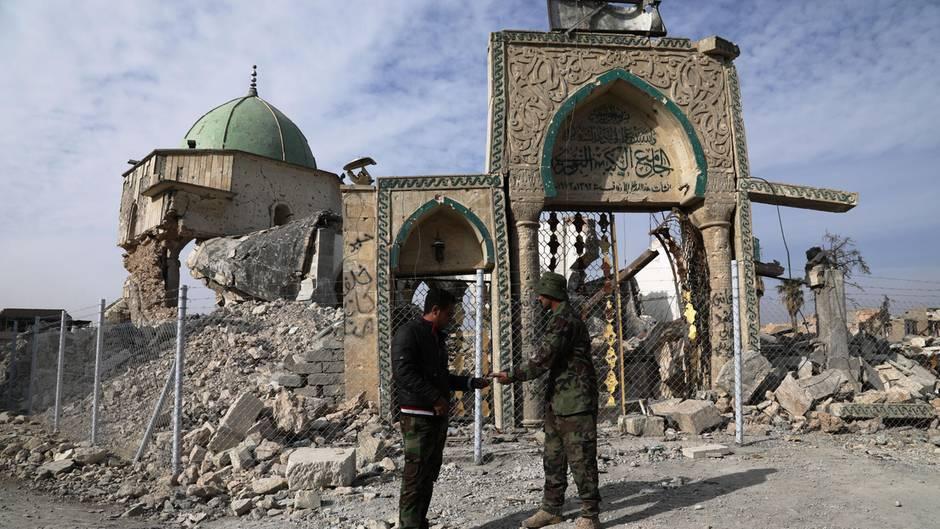 Urteil wegen IS-Mitgliedschaft: Lebenslange Haft für Deutsche im Irak