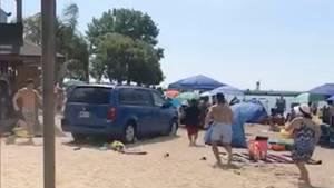 Kanada: Mann rast mit Auto in vollbesetzten Strand - mehrere Verletzte