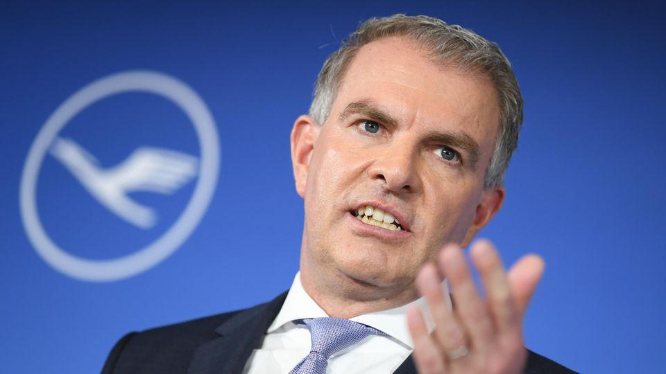 Lufthansa-Chef Spohr auf einem Event seines Unternehmens