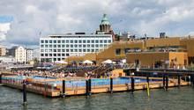 Schwimmendes Freibad in Helsinki: der Allas Sea Pool im Hafen
