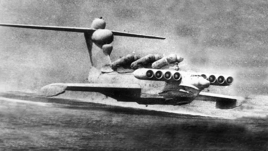 Die Ärodynamik eines Ekroplans baisert auf einem rollenden Luftkissen unter den Flügeln.