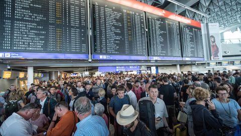 Am Frankfurter Flughafen läuft ein Teilräumung in einem der Abfertigungsgebäude