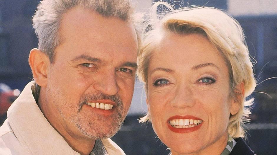 1997 geben sich Elisabeth Meinhart (Lisa Riecken)  und A. R. Daniel (Hans Christiani) das Ja-Wort