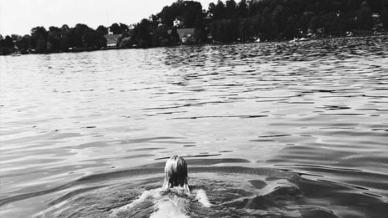 Lena Gercke: Topmodel zeigt sich beim Nacktbaden