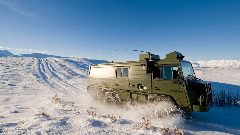 Geschlossene Ausführung mit drei Achsen im Armeedienst in Neuseeland.