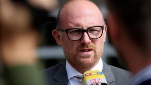 """Duisburgs Oberbürgermeister Sören Link:""""Ich muss mich hier mit Menschen beschäftigen, die ganze Straßenzüge vermüllen und das Rattenproblem verschärfen. Das regt die Bürger auf"""", sagt der SPD-Politiker."""