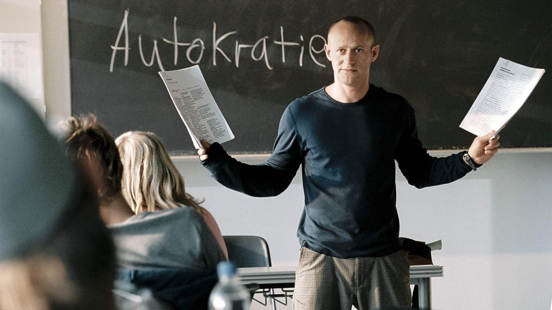 """Schauspieler Jürgen Vogel im Film """"Die Welle"""""""