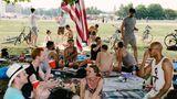 Wo bis 2008 Flugzeuge landeten, verbringen Berliner und Touristen heute ihre Freizeit: auf dem Tempelhofer Feld